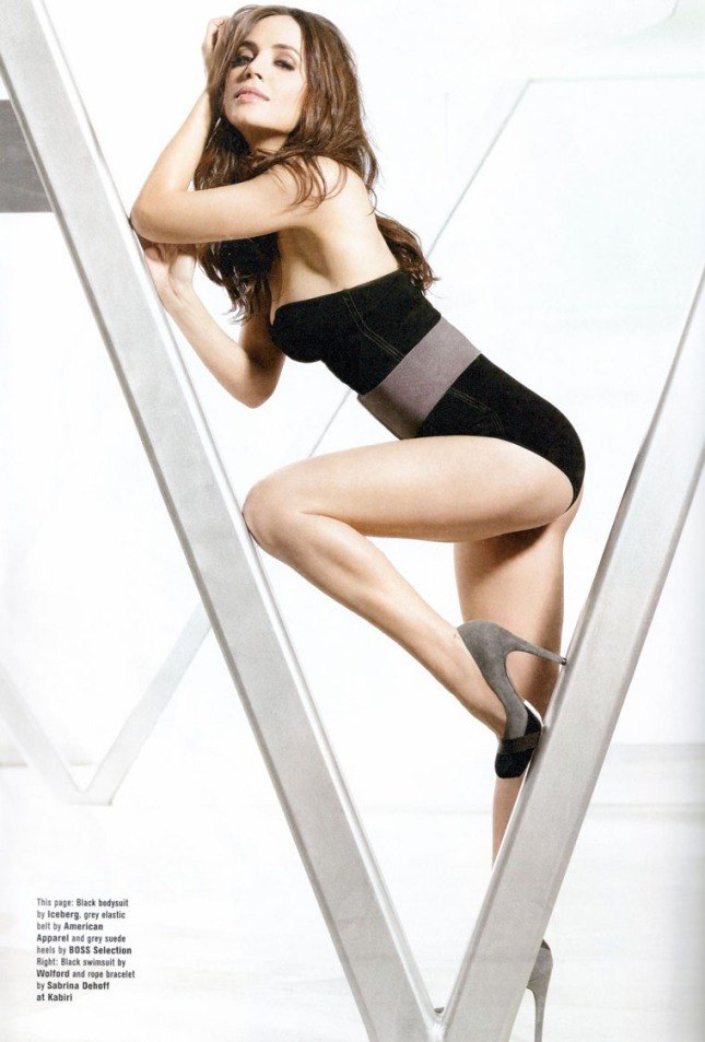 gallery_enlarged-0729_eliza_dushku_fhm_01